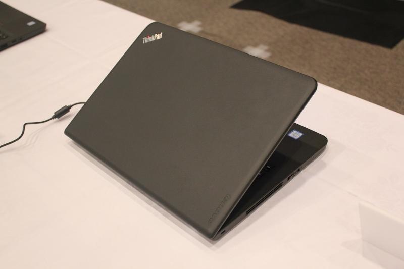 ThinkPad E460天板デザイン