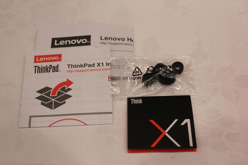 ThinkPad X1 インイヤーヘッドフォン付属品