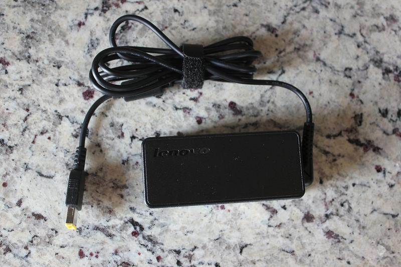 ThinkPad X260対応 ThinkPad 65W スリム ACアダプター (0B47458)