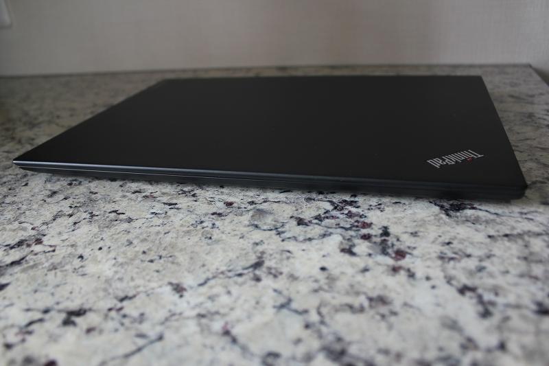 ThinkPad T460s 前側面