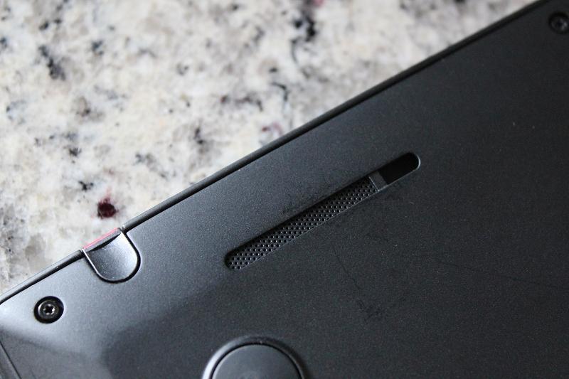 ThinkPad X1 Yogaの底面ズーム スピーカー