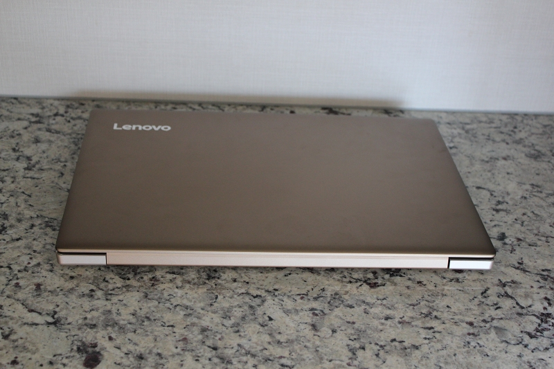 ideaPad 520の天板