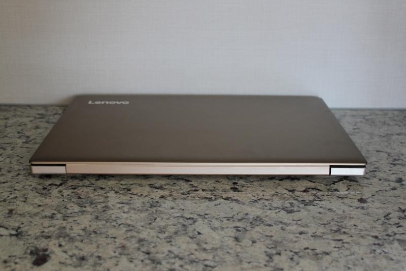 ideaPad 520の背側面
