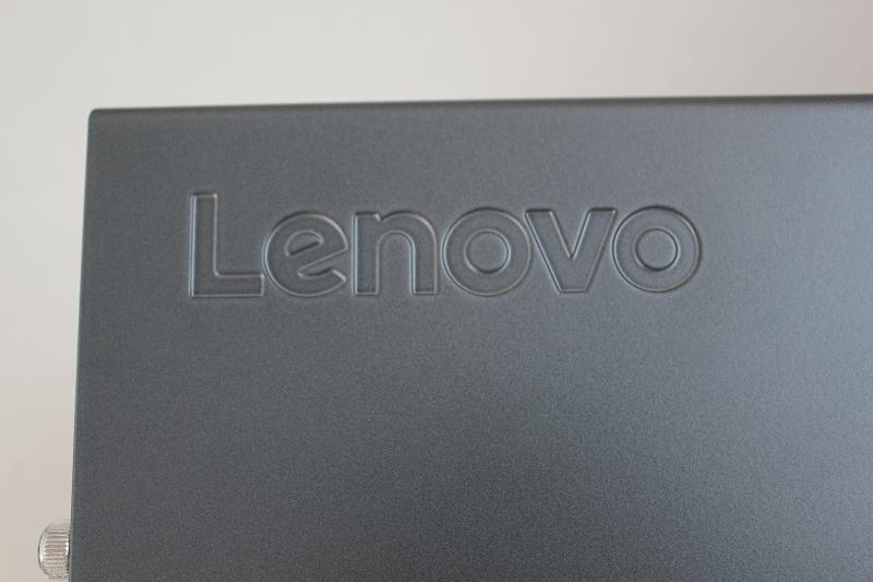 側面のLenovoロゴ