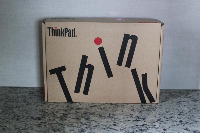 ThinkPad X280の箱