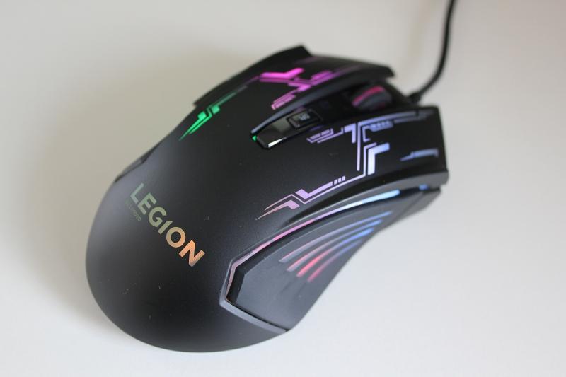 Lenovo Legion M200 RGBゲーミングマウスのレビュー
