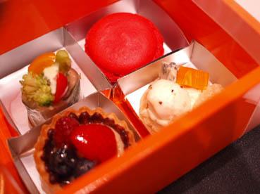 ボックス入りの軽食