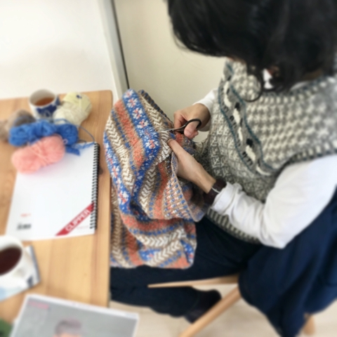 今日の編み物クラブ