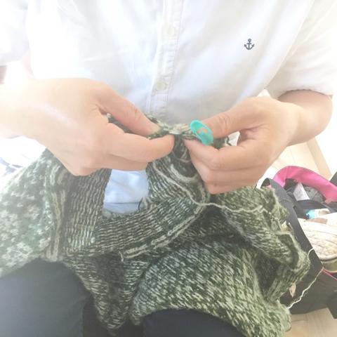 ある日の編み物クラブ
