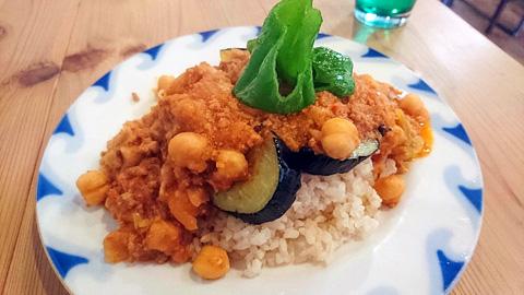 ひよこ豆とたっぷり野菜のキーマカレー