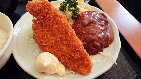 白身魚フライとハンバーグ