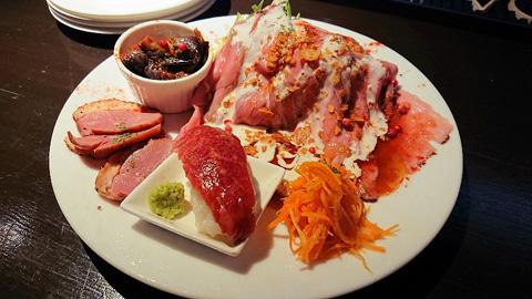 肉寿司、前菜の盛り合わせ