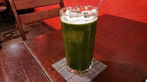 緑の野菜サワー