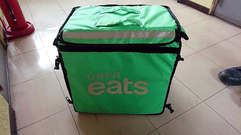 UberEatsのバッグ