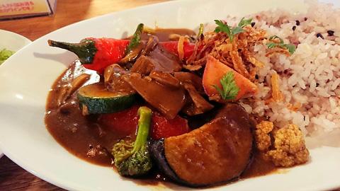 ごろごろ野菜のスパイシービーフカレー