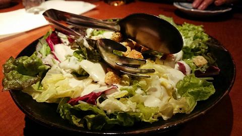新鮮野菜たっぷりシーザーサラダ