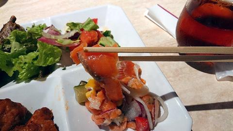 スモークサーモンと夏野菜