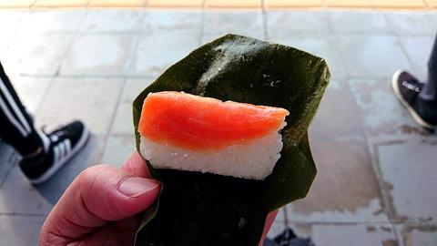 柿の葉寿司サーモン