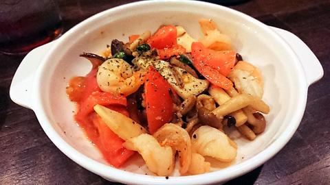 海老とトマトのガーリックソテー