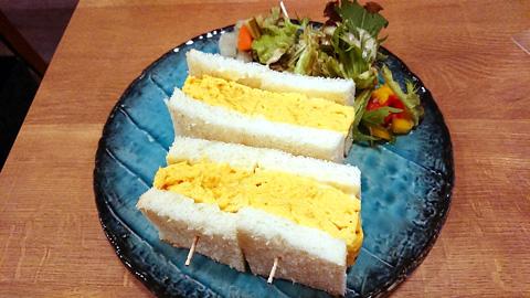 厚焼き出し巻き卵サンド