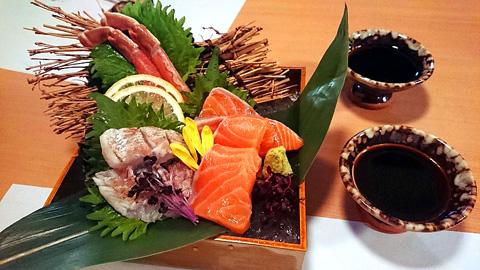 蟹と鮮魚の三点盛り