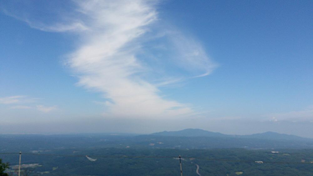 折爪岳山頂付近からの景色☆