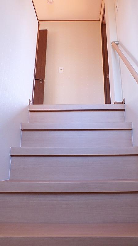 階段上がって二階へ