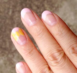 ピンクフレンチ×黄色リボンジェルネイル2