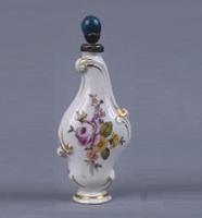 Flacon à parfum Porcelaine dure métal doré Allemagne, Saxe vers 1755