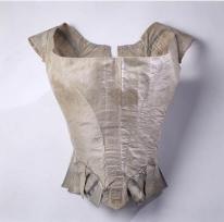 1780s-corsage Musee Galleria musee de la mode de la Ville de Paris