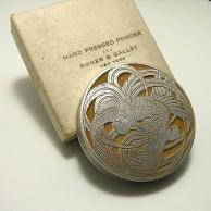 R. Lalique Roger & Gallet Fleurs DAmour Compact