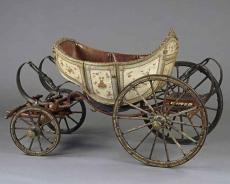 Versailles , le Petit Trianon, voiture a chevre du Dauphin Louis-Charles , futur Louis XVII-grand-voiture-chevres-dite-dauphin-fin-18e-siecle