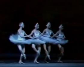 Bolshoi Swan Lake - Pas de Quatre Small Swans
