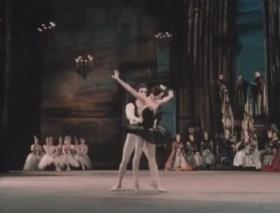 Natalia Bessmertnova and Alexander Bogatyrev. Coda from Black Swan Pas de Deux