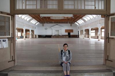 旧波佐見町立中央小学校講堂兼公会堂撮影 BERET大田さんさん