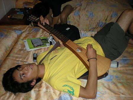 ギターマナブ