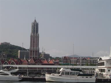 オランダの教会鐘楼を模した塔ドムトールン。展望所からの眺め綺麗〜