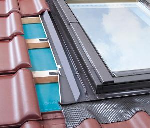 天窓の水切り材-EZV-A