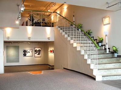 1階から見上げる