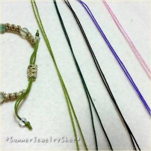 編みブレスの紐