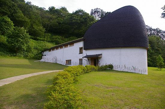 ねむの木学園こども美術館どんぐり
