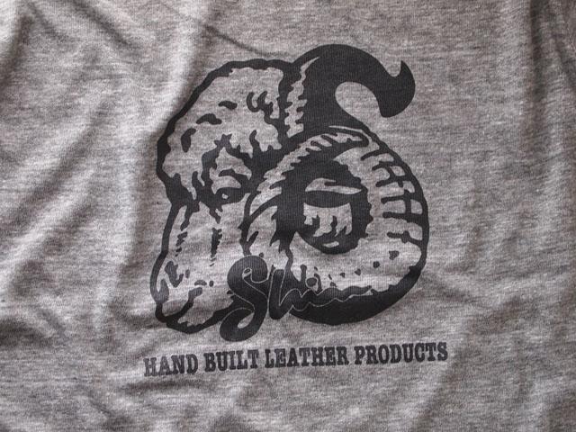 羊Tシャツ