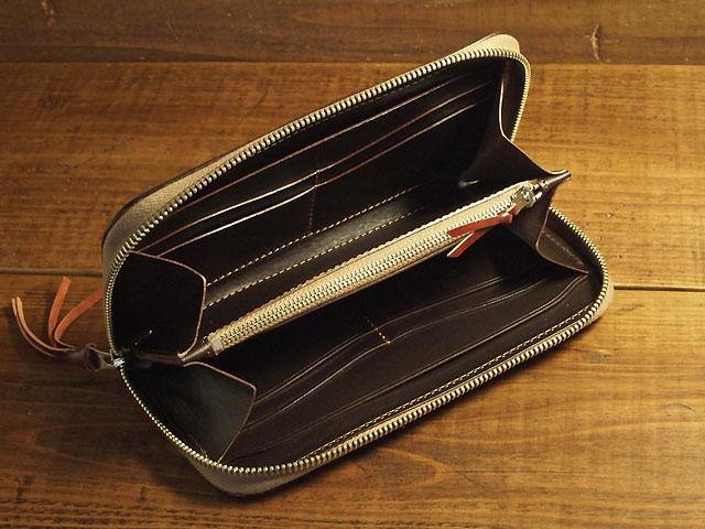 オイルコードバン財布の内装