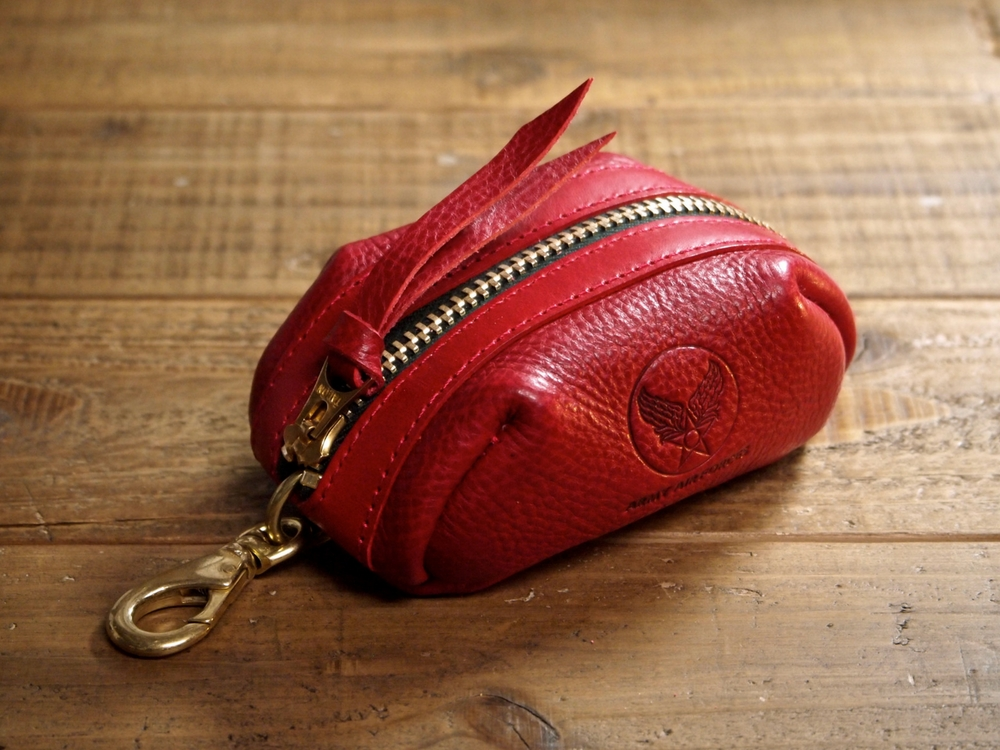 赤い革のキーケース