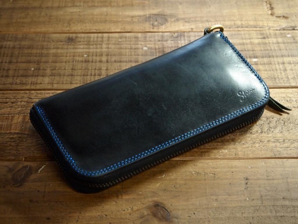 ブッテーロのラウンドファスナー財布