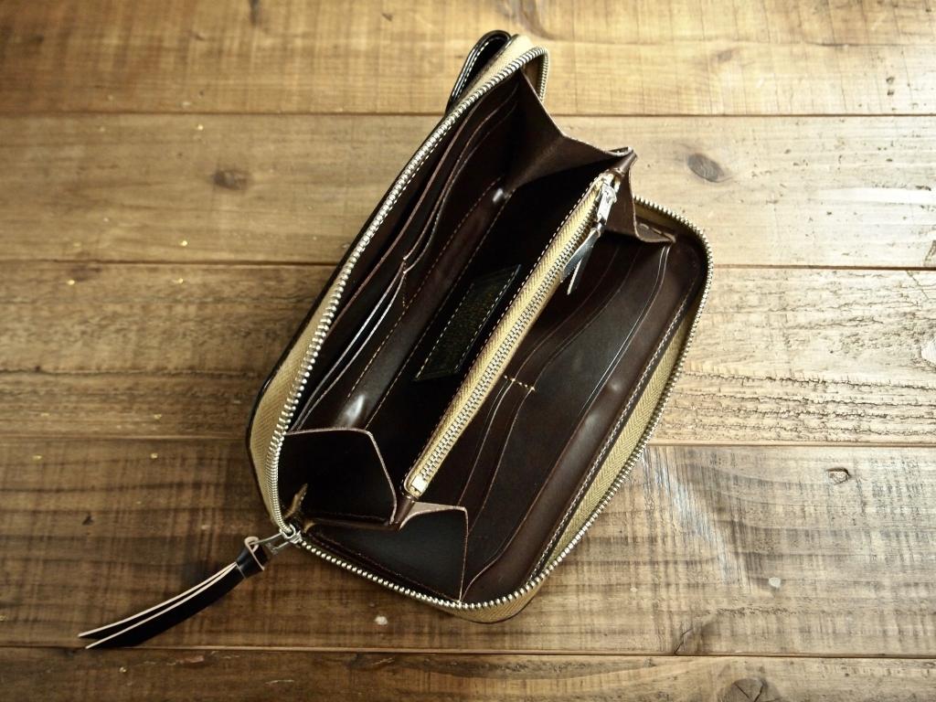 コードバンの長財布フライトウォレット