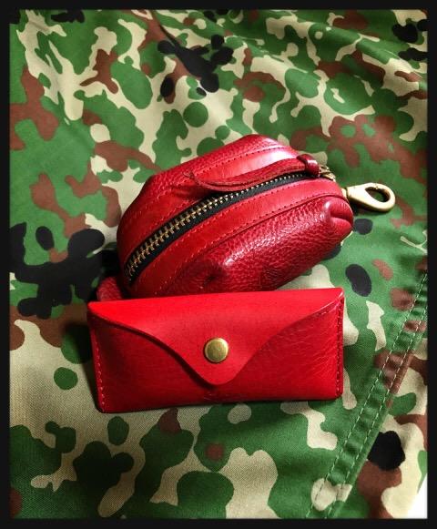 赤いコインケース