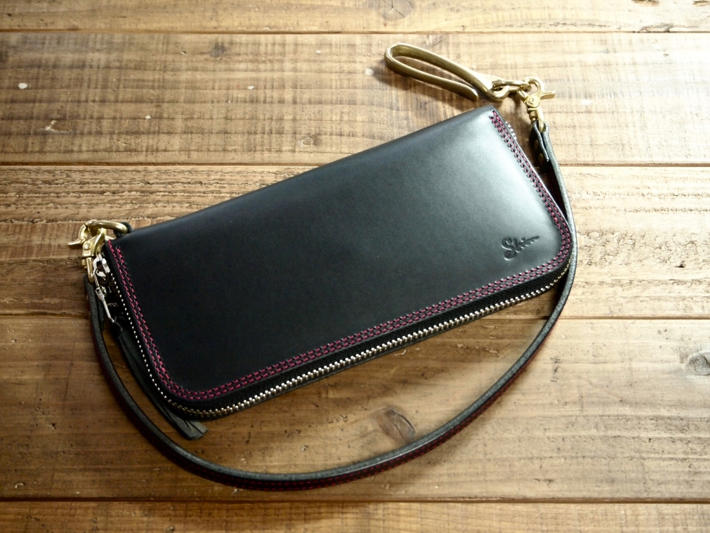 黒い長財布(ブッテーロのラウンドファスナー)