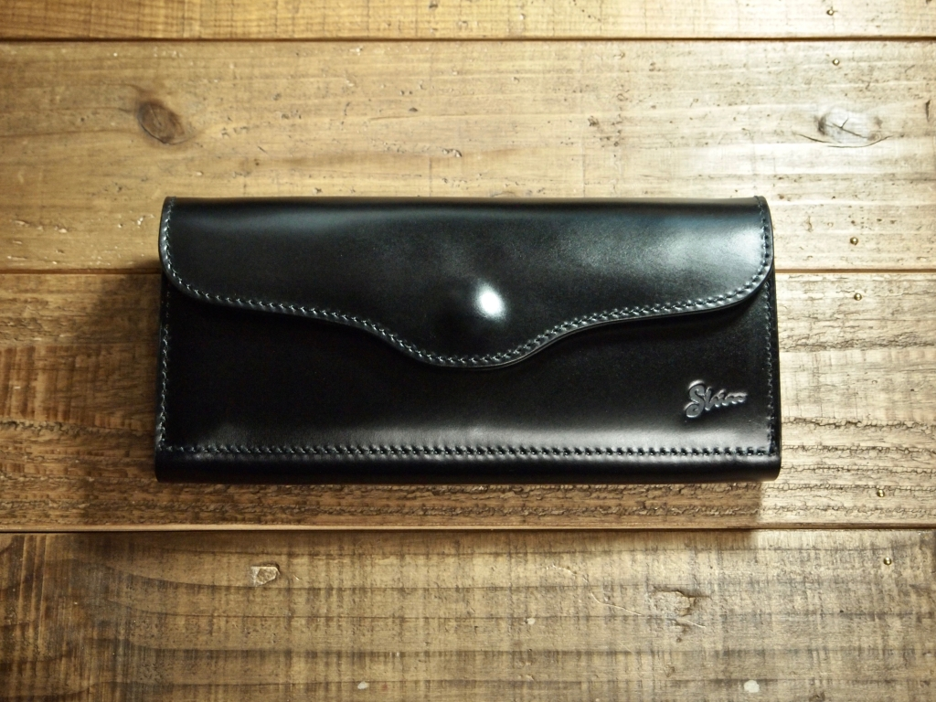 コードバンの財布(フラップウォレット)