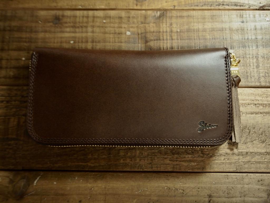 ブッテーロ(チョコ)のラウンドファスナー財布